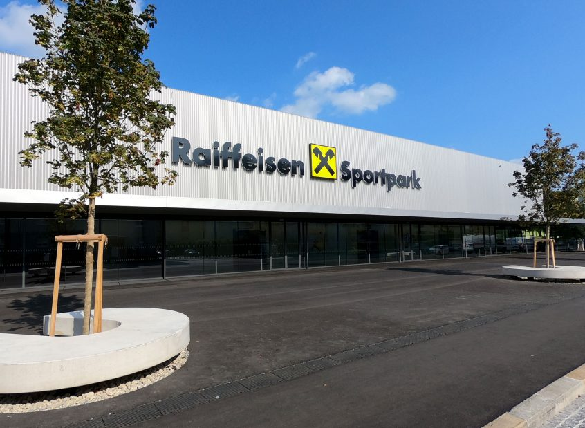 Außenansicht - Raiffeisen Sportpark
